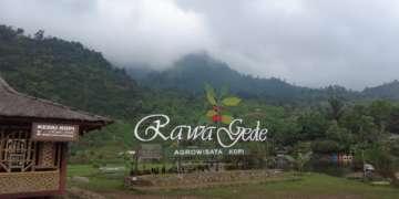 front view of Situ Rawa Gede